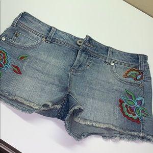 Flower Stitching jean shorts